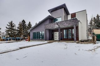 Photo 2: 6403 31 Avenue NW in Calgary: Bowness Detached for sale : MLS®# A1063598