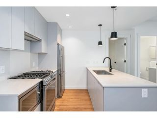 "Photo 4: 210 2493 MONTROSE Avenue in Abbotsford: Central Abbotsford Condo for sale in ""Upper Montrose"" : MLS®# R2621075"