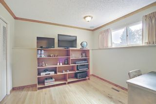 Photo 20: 3203 Oakwood Drive SW in Calgary: Oakridge Detached for sale : MLS®# A1109822