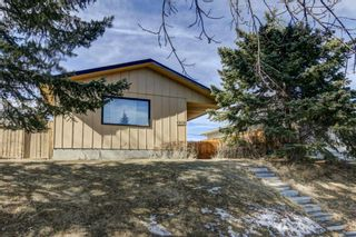 Main Photo: 6215 4 Street NE in Calgary: Thorncliffe Detached for sale : MLS®# A1081752