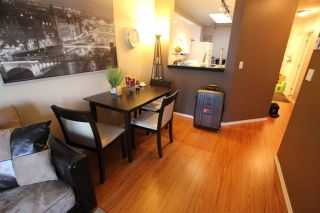"""Photo 10: 404 509 CARNARVON Street in New Westminster: Downtown NW Condo for sale in """"HILLSIDE PLACE"""" : MLS®# R2226244"""