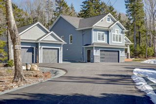 Photo 1: 639 McCabe Lake Drive in Middle Sackville: 26-Beaverbank, Upper Sackville Residential for sale (Halifax-Dartmouth)  : MLS®# 202105093