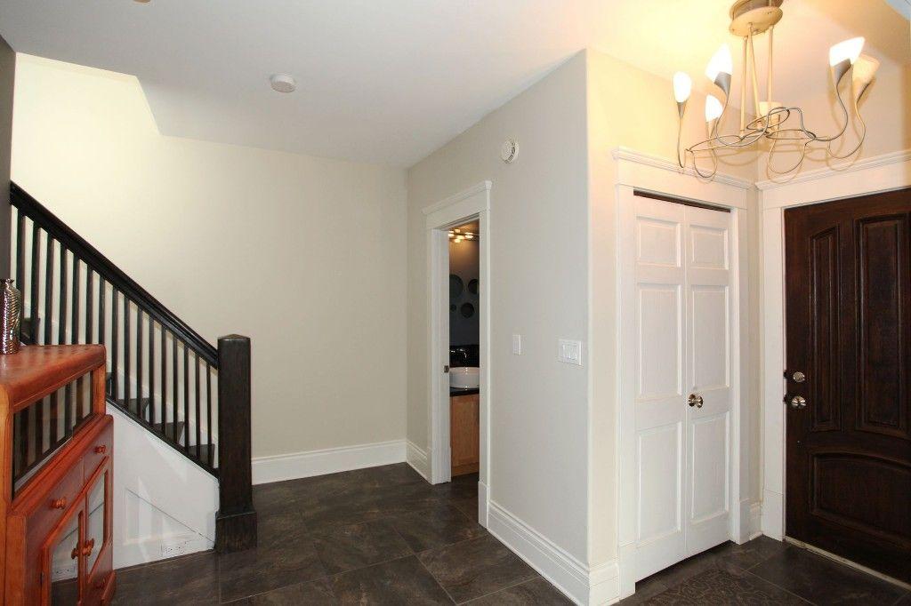 Photo 4: Photos: 1204 Wolseley Avenue in WINNIPEG: Wolseley Single Family Detached for sale (West Winnipeg)  : MLS®# 1319872