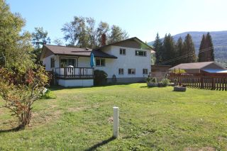 Photo 8: 2545 COLEVIEW ROAD in Castlegar: House for sale : MLS®# 2461138