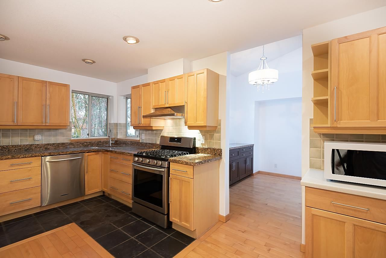Photo 10: Photos: 1195 DURANT DRIVE in Coquitlam: Scott Creek House for sale : MLS®# R2522080