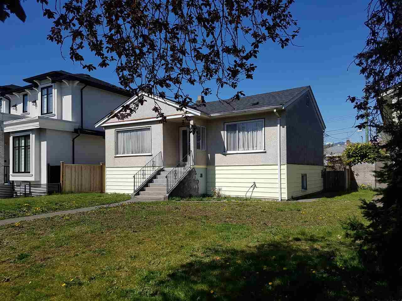 Main Photo: 2563 E 16TH Avenue in Vancouver: Renfrew Heights House for sale (Vancouver East)  : MLS®# R2568299