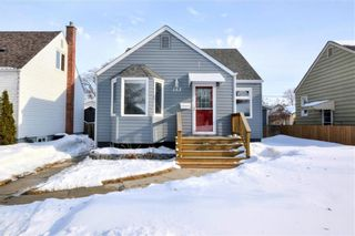 Photo 1: 153 Tait Avenue in Winnipeg: Scotia Heights Residential for sale (4D)  : MLS®# 202004938