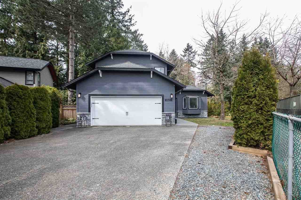 """Main Photo: 11701 CASCADE Drive in Delta: Sunshine Hills Woods House for sale in """"Sunshine Hills"""" (N. Delta)  : MLS®# R2446507"""