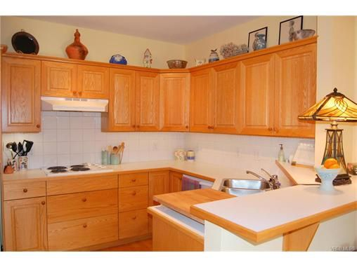 Photo 6: Photos: 2 133 Corbett Rd in SALT SPRING ISLAND: GI Salt Spring Row/Townhouse for sale (Gulf Islands)  : MLS®# 747399