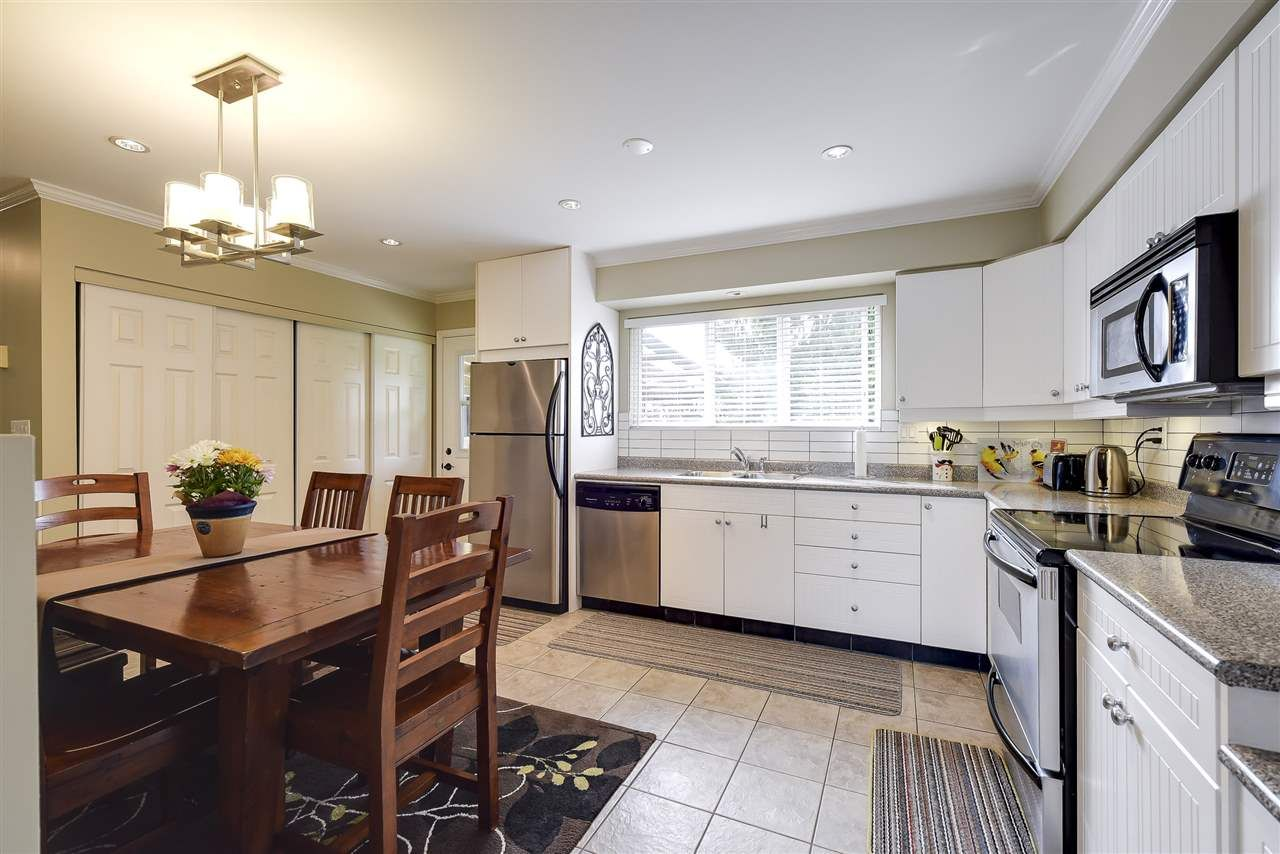Photo 4: Photos: 4633 RILEY PLACE in Delta: Ladner Elementary House for sale (Ladner)  : MLS®# R2254168