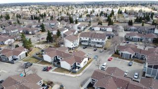 Photo 42: 527 WILLOW Court in Edmonton: Zone 20 Townhouse for sale : MLS®# E4241769