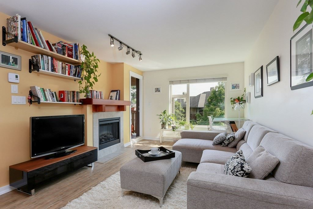 """Photo 8: Photos: 304 625 PARK Crescent in New Westminster: GlenBrooke North Condo for sale in """"WESTHAVEN"""" : MLS®# R2189118"""