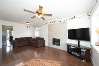 Photo 2: 795 E 52ND Avenue in Vancouver: South Vancouver House for sale (Vancouver East)  : MLS®# R2411120