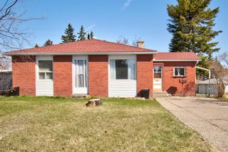 Photo 2: 7724 46 Avenue NW in Calgary: Bowness Detached for sale : MLS®# A1098212