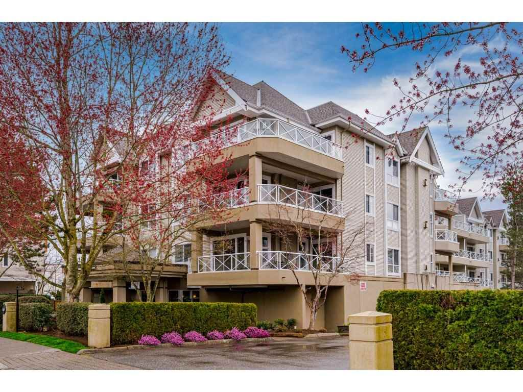 """Photo 2: Photos: 312 5568 201A Street in Langley: Langley City Condo for sale in """"Michaud Gardens"""" : MLS®# R2563265"""