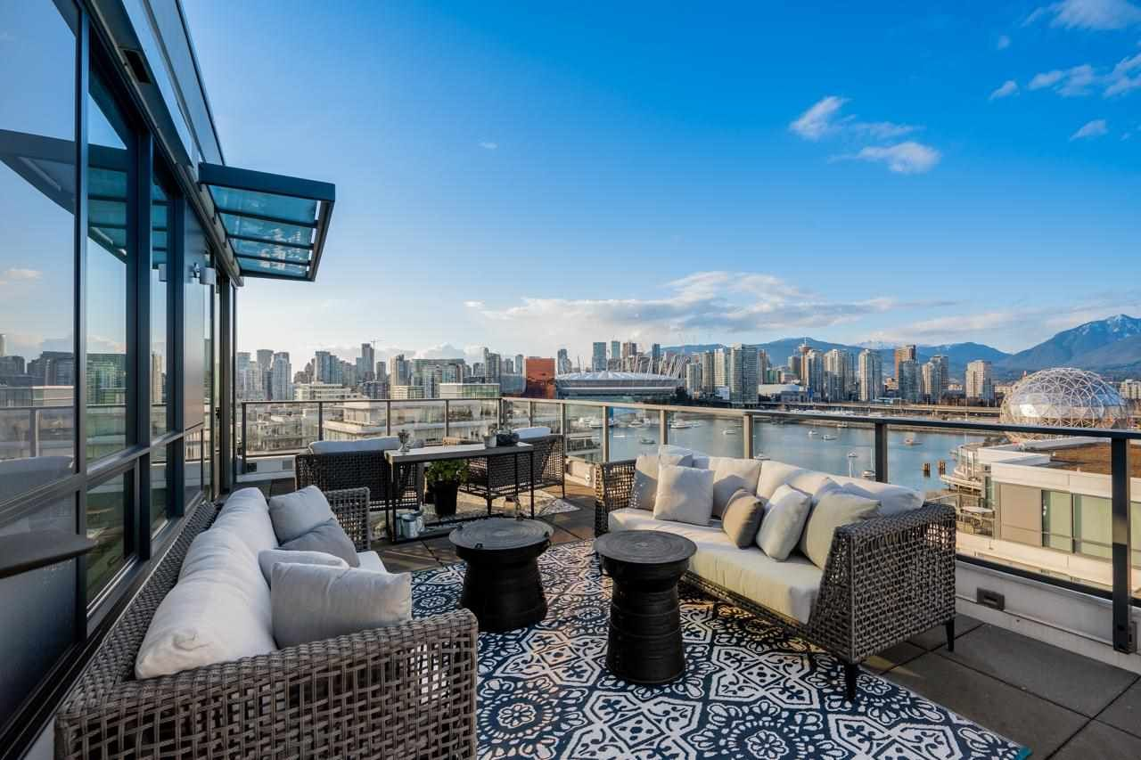"""Main Photo: 1402 1688 PULLMAN PORTER Street in Vancouver: Mount Pleasant VE Condo for sale in """"NAVIO AT THE CREEK"""" (Vancouver East)  : MLS®# R2603444"""