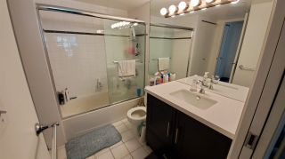 """Photo 10: 1906 438 SEYMOUR Street in Vancouver: Downtown VW Condo for sale in """"CONFERENCE PLAZA"""" (Vancouver West)  : MLS®# R2534044"""