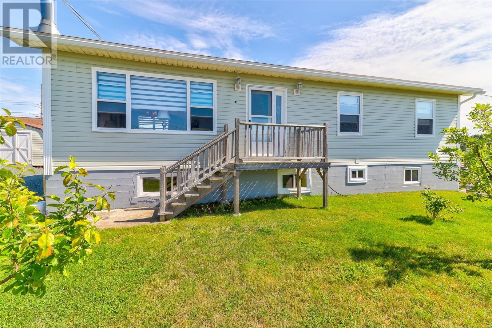 Main Photo: 41 Dunns Hill Road in Conception Bay South: House for sale : MLS®# 1237497