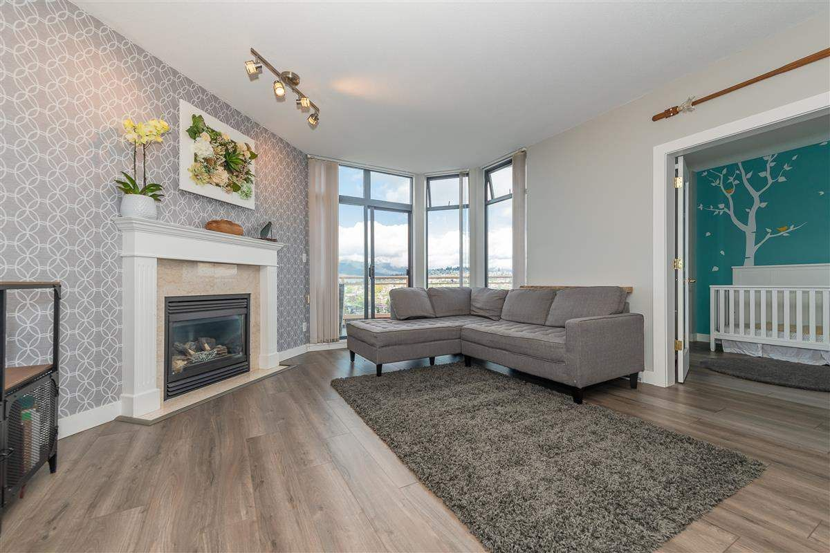 Main Photo: 2201 4425 HALIFAX Street in Burnaby: Brentwood Park Condo for sale (Burnaby North)  : MLS®# R2411600