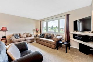 Photo 5: 1051 Pinecliff Drive NE in Calgary: Pineridge Detached for sale : MLS®# A1131055