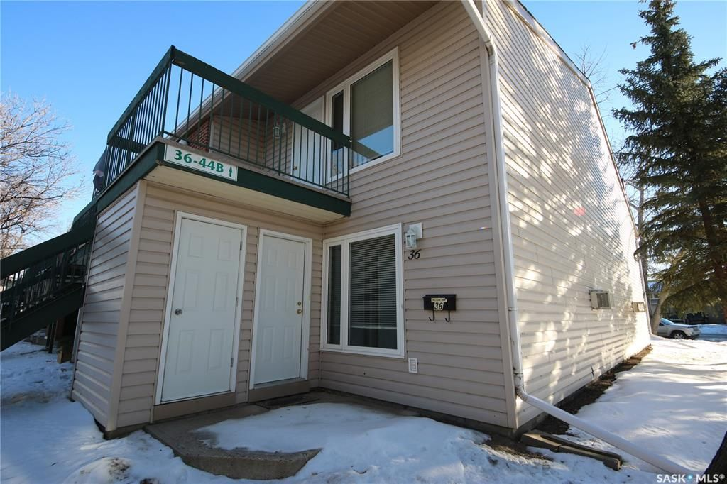 Main Photo: 36 Nollet Avenue in Regina: Normanview West Residential for sale : MLS®# SK836187