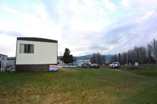 """Photo 20: 21 95 LAIDLAW Road in Smithers: Smithers - Rural Manufactured Home for sale in """"MOUNTAIN VIEW MOBILE HOME PARK"""" (Smithers And Area (Zone 54))  : MLS®# R2256996"""