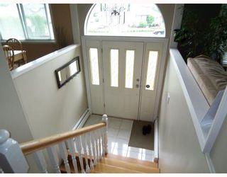 Photo 2: 12109 IRVING Street in Maple_Ridge: Northwest Maple Ridge House for sale (Maple Ridge)  : MLS®# V726186