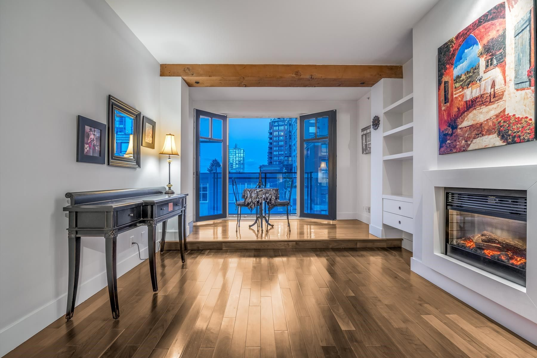 "Main Photo: 303 1275 HAMILTON Street in Vancouver: Yaletown Condo for sale in ""ALDA"" (Vancouver West)  : MLS®# R2606541"