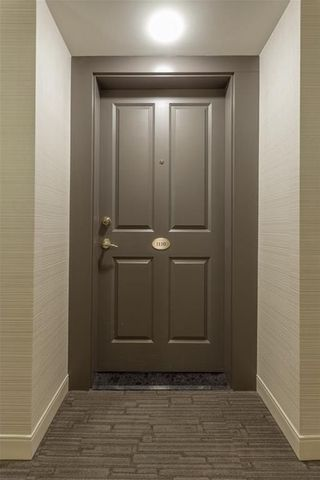 Photo 6: 1110 804 3 Avenue SW in Calgary: Eau Claire Condo for sale : MLS®# C4146068