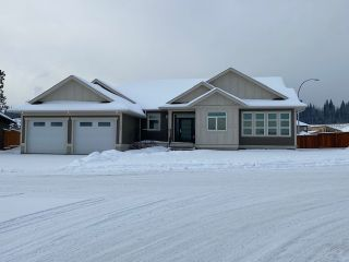 Photo 1: 102 4303 UNIVERSITY HEIGHTS Road in Prince George: Charella/Starlane House for sale (PG City South (Zone 74))  : MLS®# R2518991