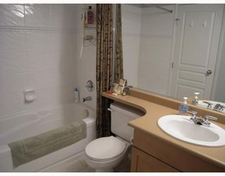 """Photo 8: 29 2375 W BROADWAY BB in Vancouver: Kitsilano Townhouse for sale in """"TALIESEN"""" (Vancouver West)  : MLS®# V725851"""