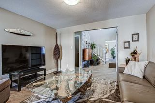 Photo 5: 20 Woodfield Road SW in Calgary: Woodbine Detached for sale : MLS®# A1100408