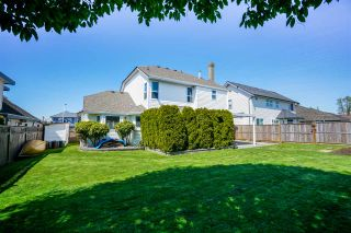 """Photo 20: 6080 185B Street in Surrey: Cloverdale BC House for sale in """"Eagle Crest"""" (Cloverdale)  : MLS®# R2260925"""