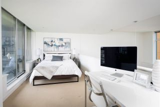 Photo 10: 301 29 SMITHE MEWS in Vancouver: Yaletown Condo for sale (Vancouver West)  : MLS®# R2411644