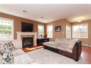 Photo 5: 812 Gannet Crt in VICTORIA: La Bear Mountain House for sale (Langford)  : MLS®# 723786