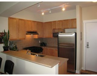 """Photo 3: 313 2280 WESBROOK MALL BB in Vancouver: University VW Condo for sale in """"KEATS HALL"""" (Vancouver West)  : MLS®# V712066"""