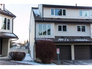 Photo 1: 14 1012 RANCHLANDS Boulevard NW in Calgary: Ranchlands House for sale : MLS®# C4092289