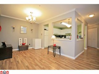 """Photo 4: 210 20189 54TH Avenue in Langley: Langley City Condo for sale in """"Catalina Gardens"""" : MLS®# F1127563"""