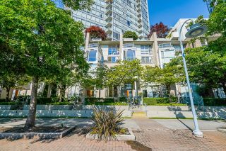 """Photo 3: 112 1228 MARINASIDE Crescent in Vancouver: Yaletown Townhouse for sale in """"CRESTMARK TWO"""" (Vancouver West)  : MLS®# R2609397"""
