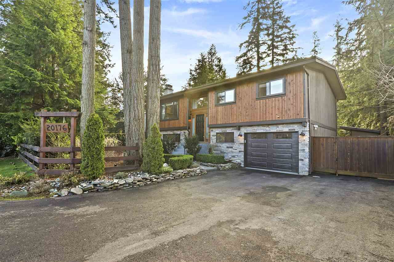 """Main Photo: 20176 40 Avenue in Langley: Brookswood Langley House for sale in """"Brookswood"""" : MLS®# R2532072"""