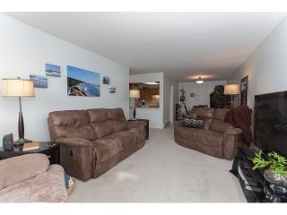 """Photo 4: 102 5375 205 Street in Langley: Langley City Condo for sale in """"GLENMONT PARK"""" : MLS®# R2053882"""