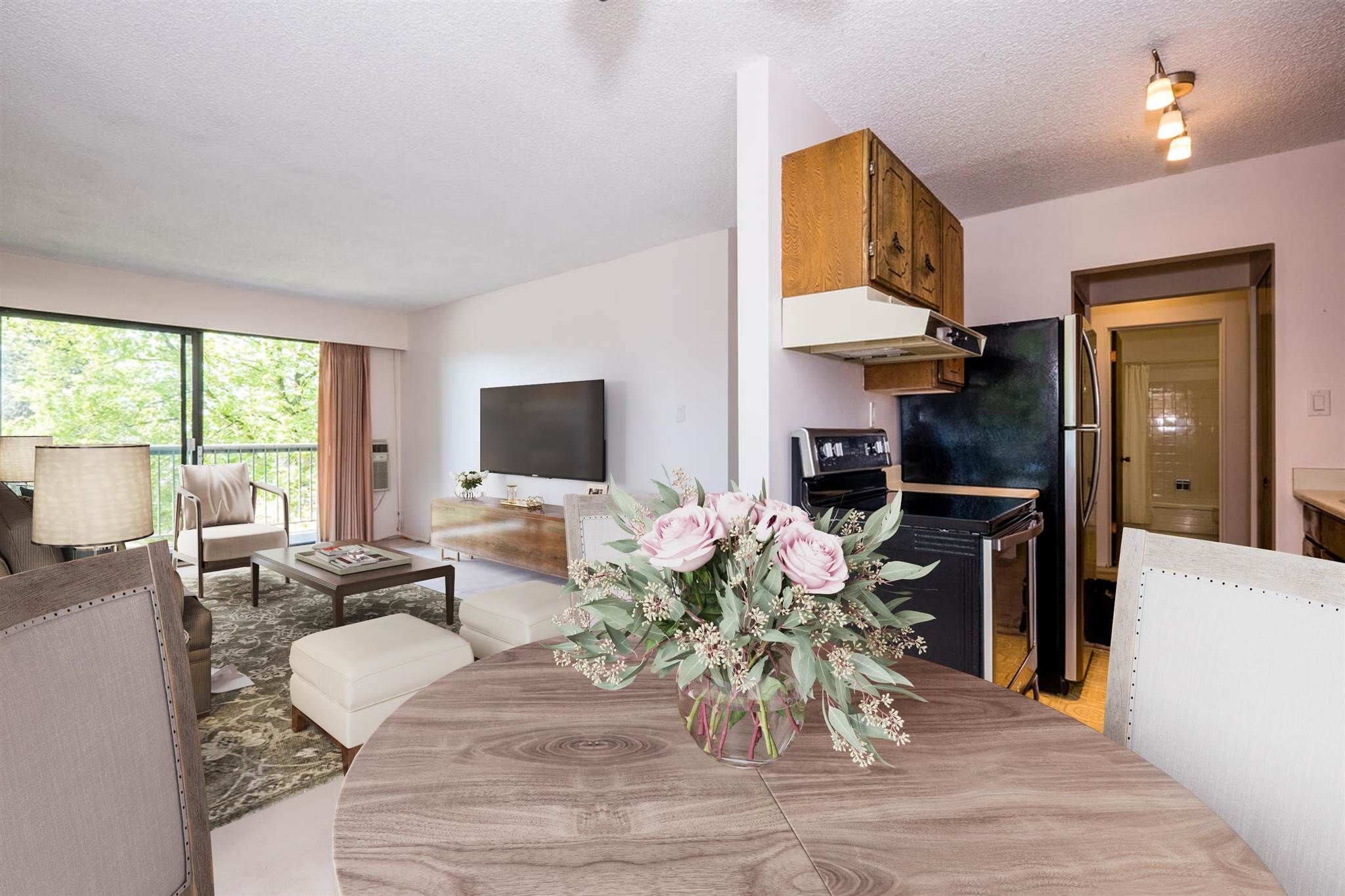 """Photo 7: Photos: 209 2600 E 49TH Avenue in Vancouver: Killarney VE Condo for sale in """"Southwinds"""" (Vancouver East)  : MLS®# R2600173"""