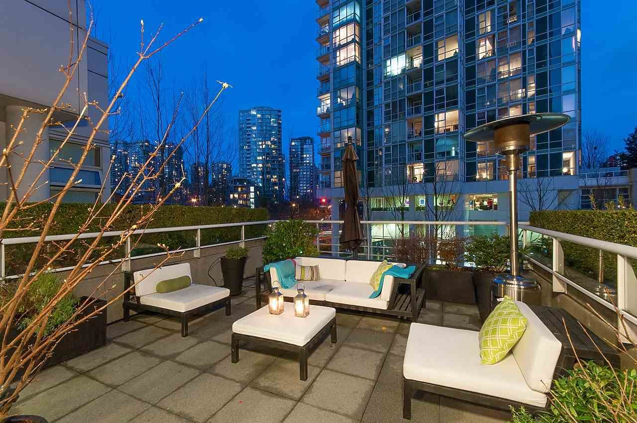 Photo 16: Photos: 302 198 AQUARIUS MEWS in Vancouver: Yaletown Condo for sale (Vancouver West)  : MLS®# R2231023
