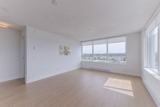 """Photo 3: 2211 988 QUAYSIDE Drive in New Westminster: Quay Condo for sale in """"RIVERSKY 2"""" : MLS®# R2368700"""
