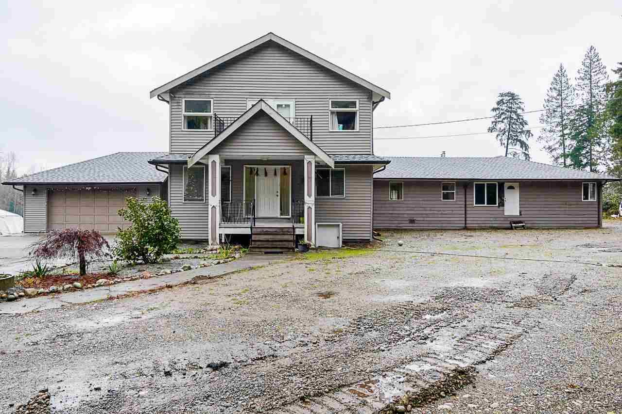 Main Photo: 18903 40 Avenue in Surrey: Serpentine House for sale (Cloverdale)  : MLS®# R2520424