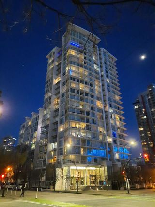 "Photo 2: 2301 161 W GEORGIA Street in Vancouver: Downtown VW Condo for sale in ""COSMO/DOWNTOWN"" (Vancouver West)  : MLS®# R2556752"