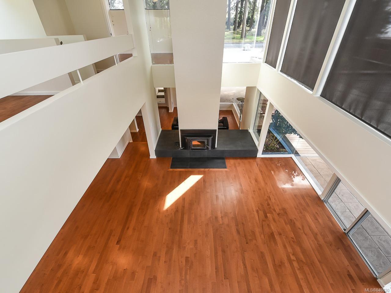 Photo 5: Photos: 1156 Moore Rd in COMOX: CV Comox Peninsula House for sale (Comox Valley)  : MLS®# 840830