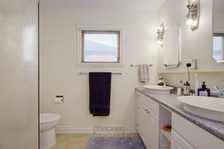 Photo 12: 11 Celtic Road NW in Calgary: Cambrian Heights Detached for sale : MLS®# A1050737