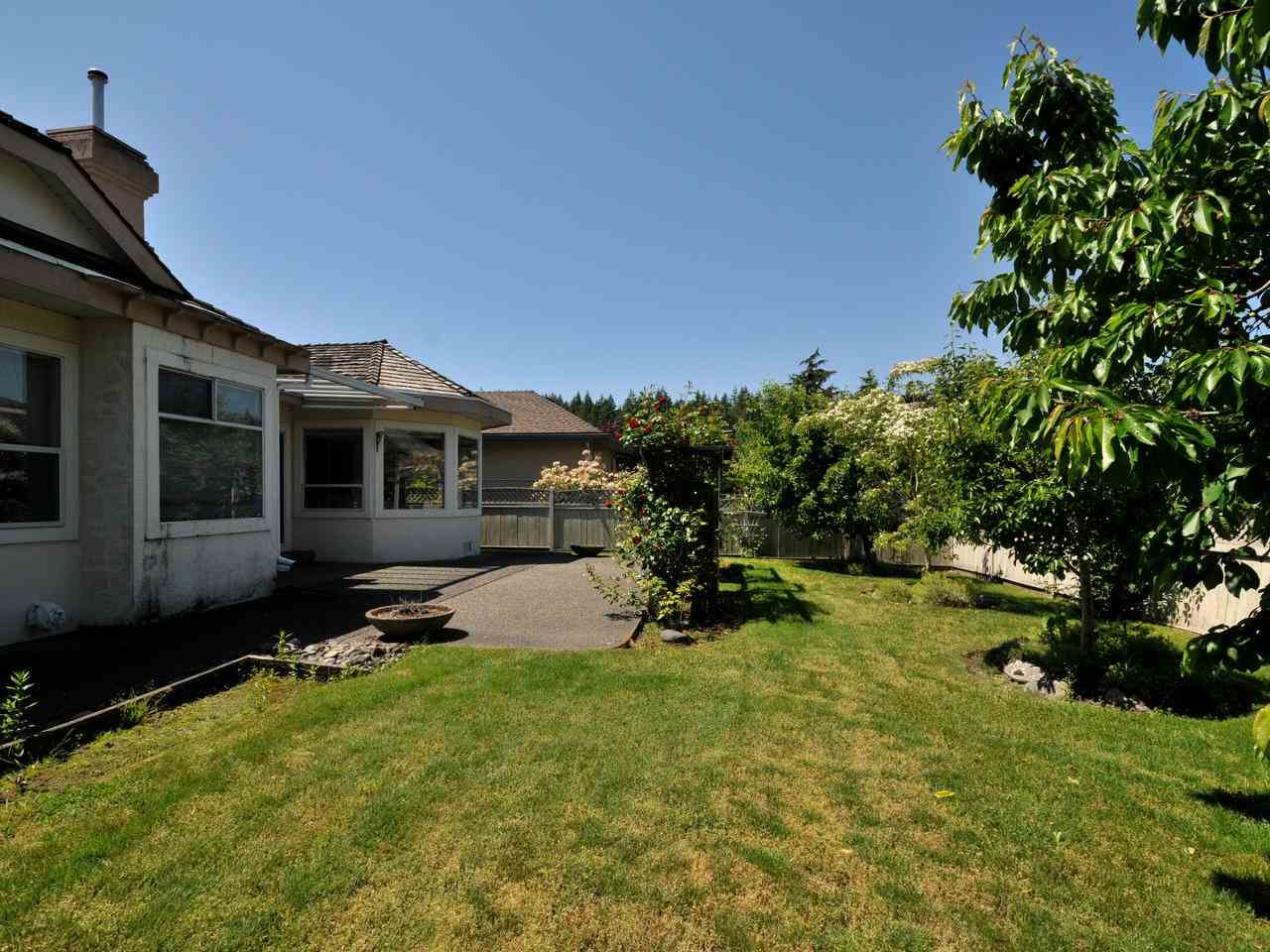 "Photo 19: Photos: 14923 24A Avenue in Surrey: Sunnyside Park Surrey House for sale in ""Sherborrke Estates"" (South Surrey White Rock)  : MLS®# R2374300"