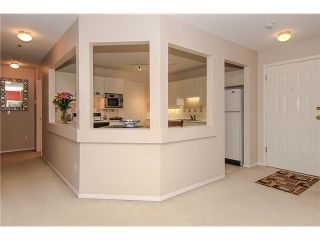 """Photo 9: 207 5419 201A Street in Langley: Langley City Condo for sale in """"Vista Gardens"""" : MLS®# F1401974"""